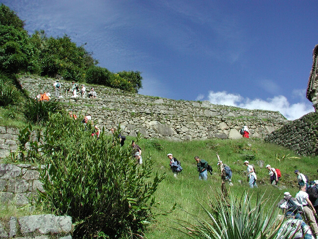 Classic short inca trail to machu picchu
