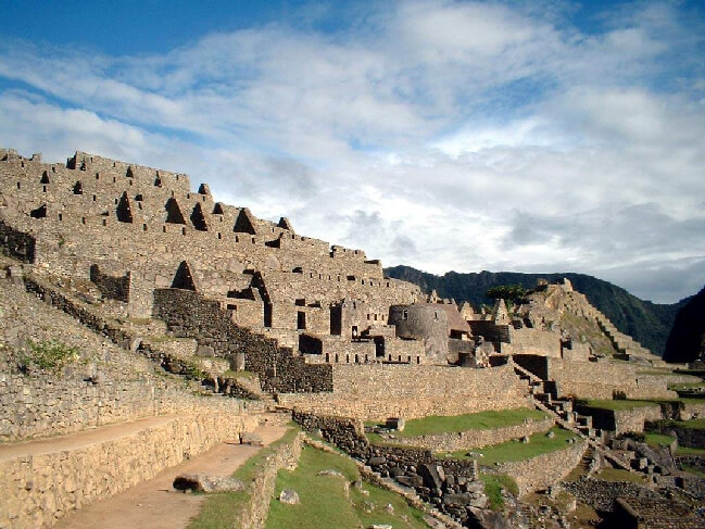 clasic machu picchu Cheap tour cusco peru